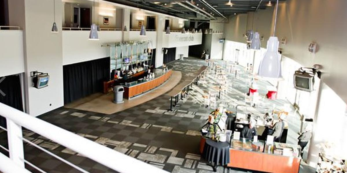 Stockton arena weddings get prices for wedding venues in ca for Wedding venues stockton ca