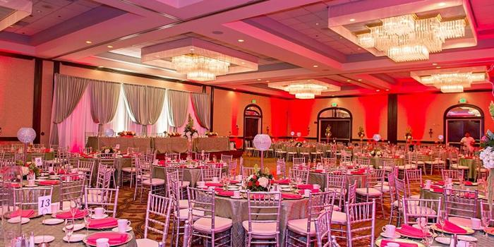 Get Prices For Wedding Venues In Me: DoubleTree By Hilton, Modesto Weddings
