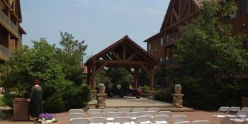 Grand Lodge Waterpark Resort weddings in Rothschild WI