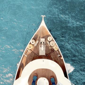 Cruise Ship/Yacht
